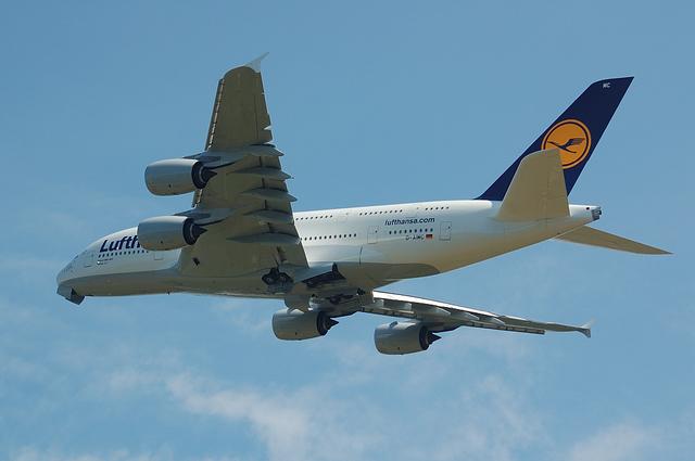LH A380 6