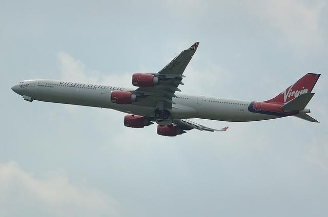 VS A340-600 3