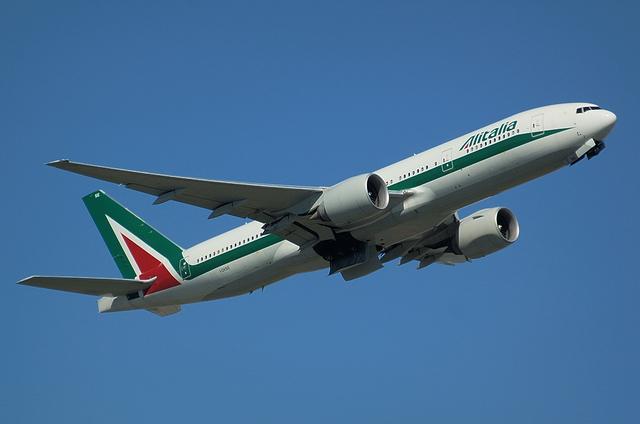 Alitalia B777 1