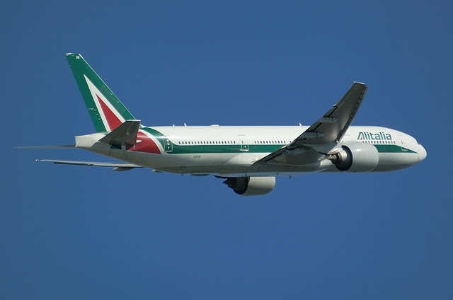 Alitalia B777 3
