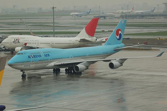 大韓航空 B744 到着