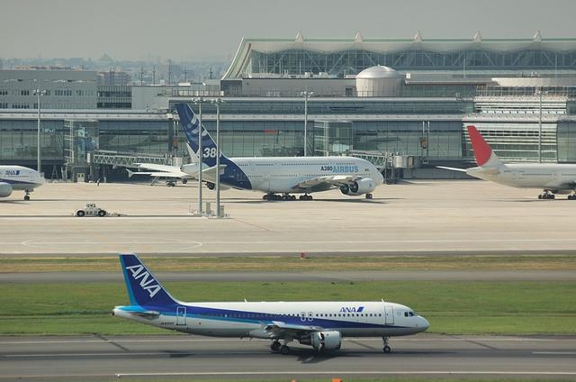 A380と777とA320