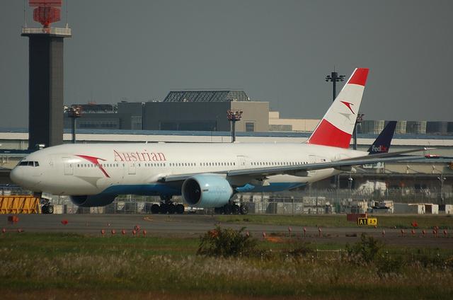 Austrian Boeing777-200ER 1