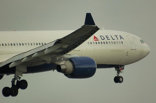 DELTA A330 3
