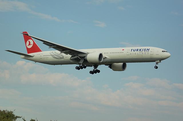 トルコ航空 B777-300ER 3