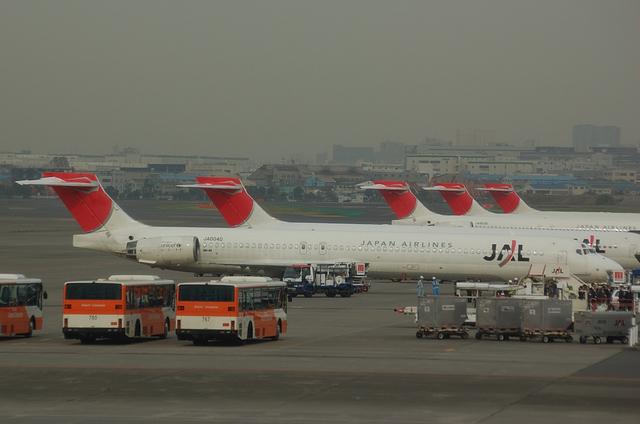 MD-90が並んでる