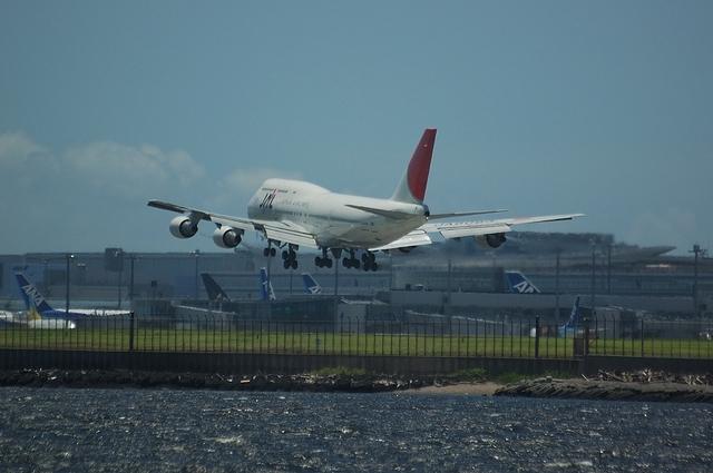 JAL B744 VOR-C 9