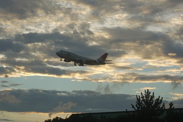 JAL B744 VOR-C 10