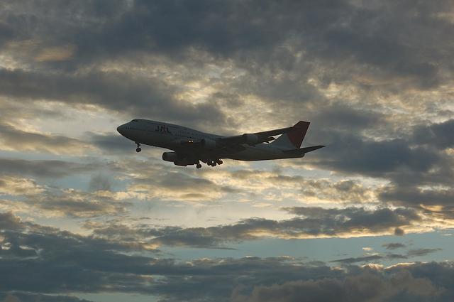JAL B744 VOR-C 11