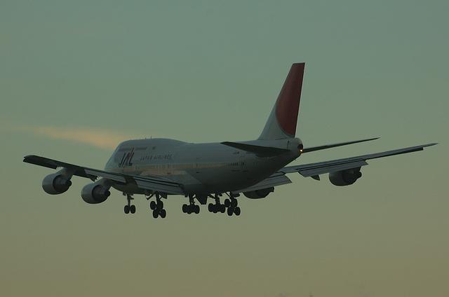 JAL B744 VOR-C 12