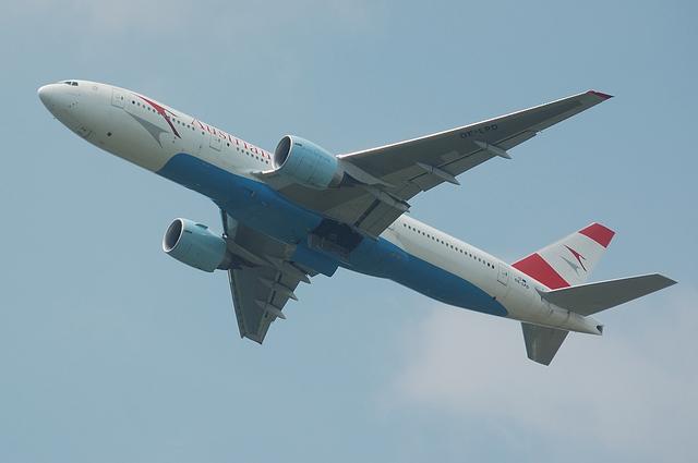 Austrian Boeing777-200ER 2