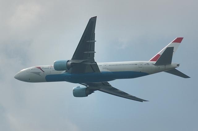 Austrian Boeing777-200ER 3
