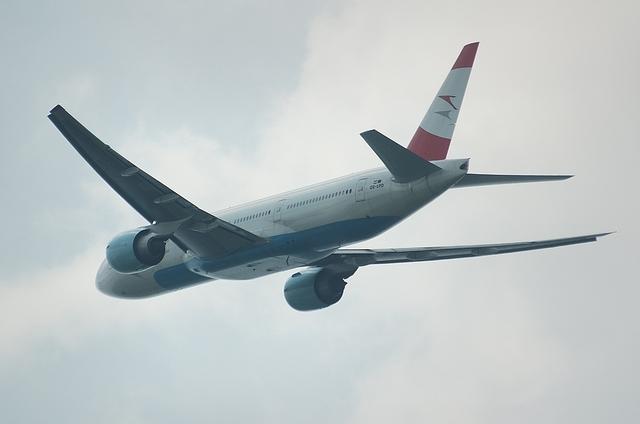 Austrian Boeing777-200ER 4