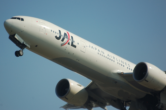 JAL Boeing777 1
