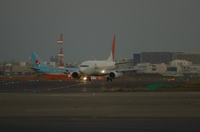 JAL B737-800 1