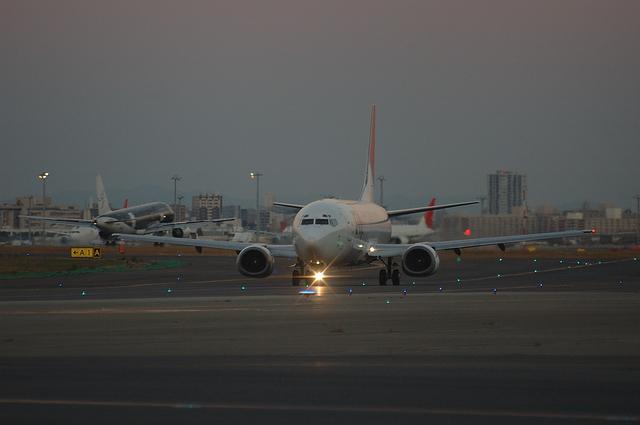 JAL B737-400 1