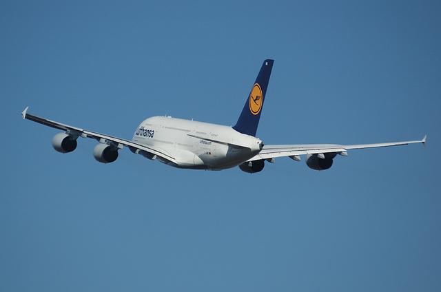 LH A380 10