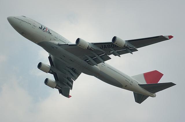 JAL B744 離陸1