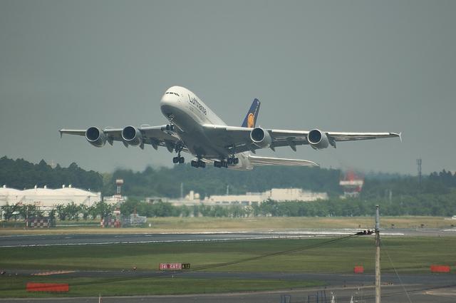 LH A380 離陸1