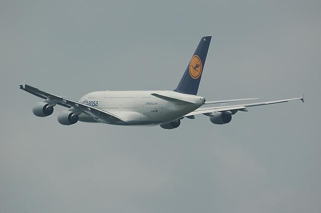 LH A380 離陸5