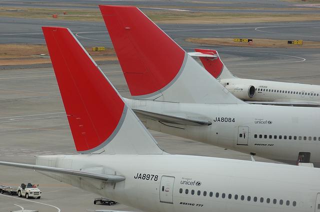 JAL B747 13