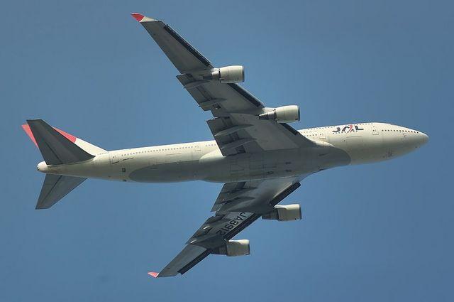 JAL B744 7