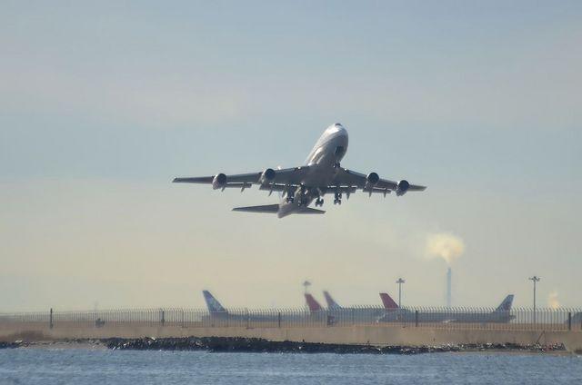 ANA B744D 離陸 1