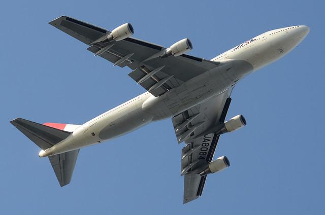 JAL B744D 10