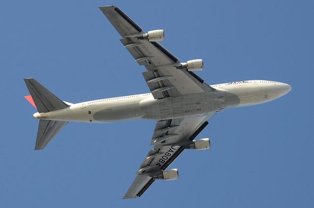 JAL B744D 11