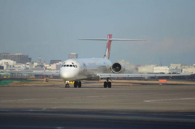 JAL MD-90 1