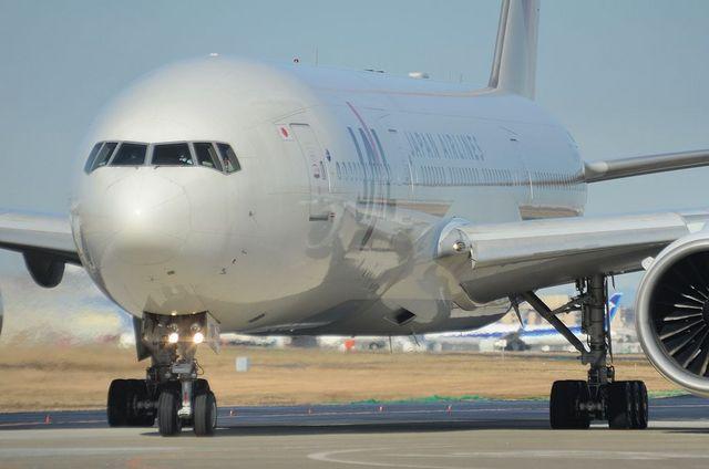 JAL B777 4