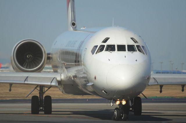 JAL MD-90 5