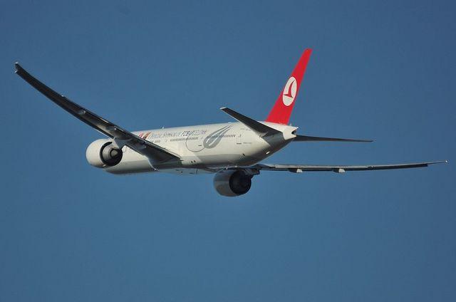 トルコ航空 B773 6