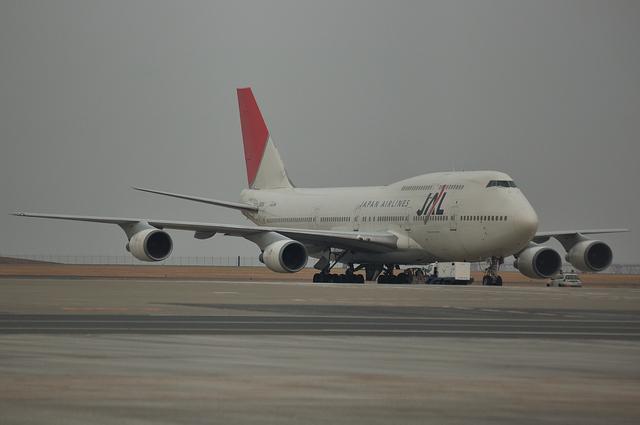 JAL B747-400D 3