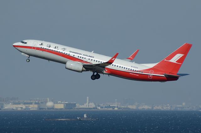 上海航空 B737-800 3