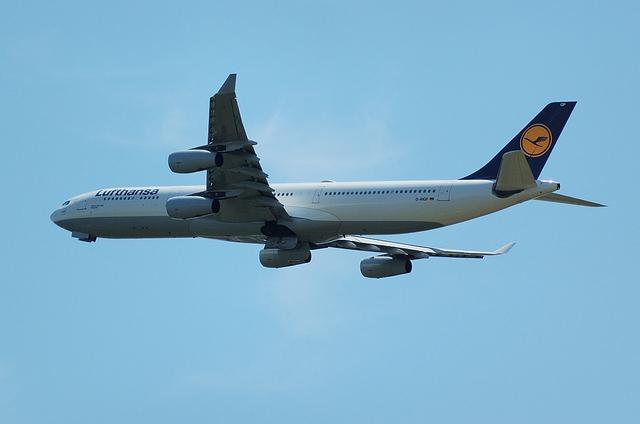 LH A340 2