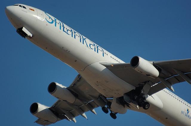 スリランカ航空 A340 3