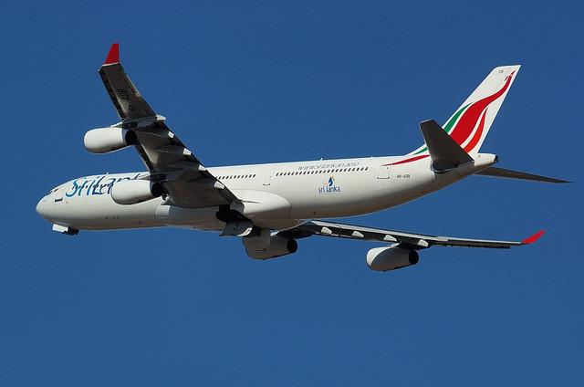 スリランカ航空 A340 5