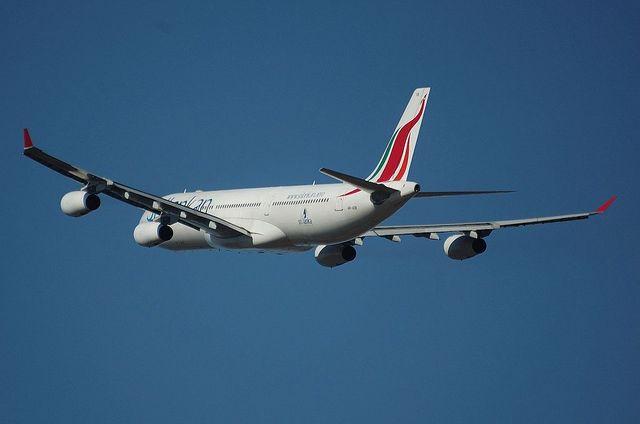 スリランカ航空 A340 6