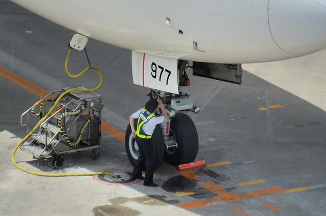 機長の出発前の確認 2