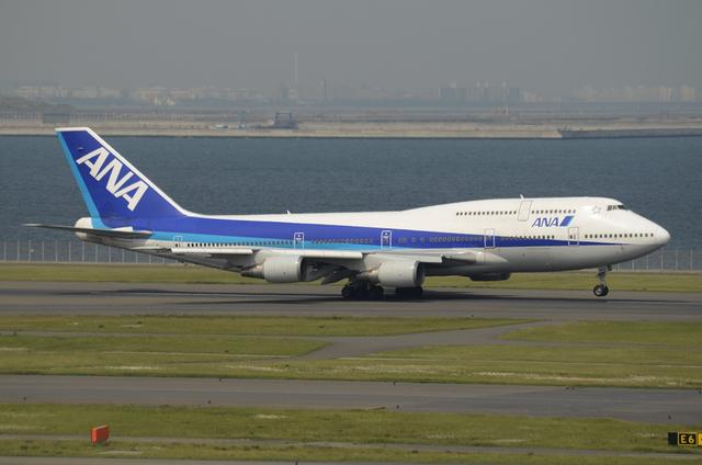 ANA B744D 2