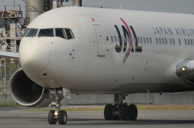 JAL B767 機首部分アップ