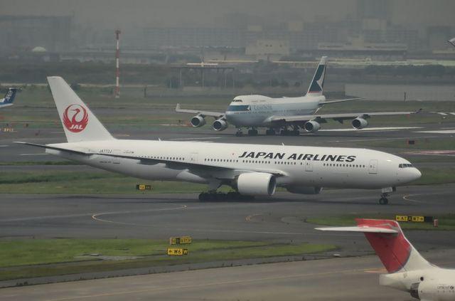 新鶴丸777とキャセイのジャンボ