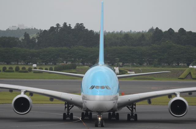 KE A380 Taxing 6