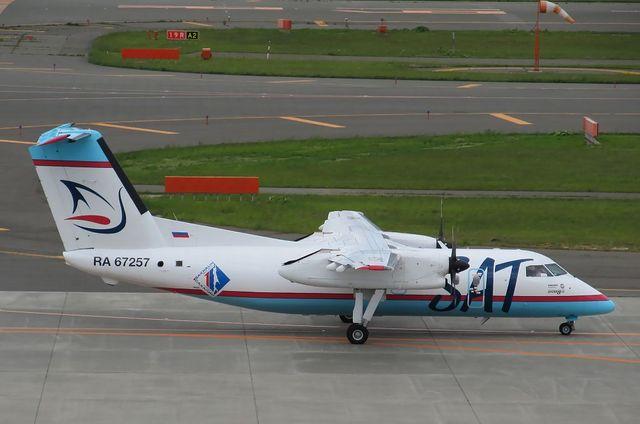 サハリン航空DHC-8-200 2