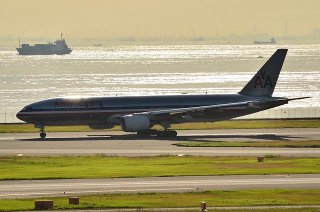 AA Boeing777