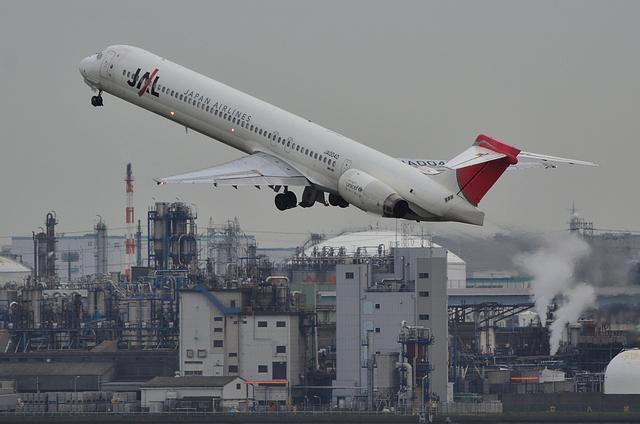JAL MD90