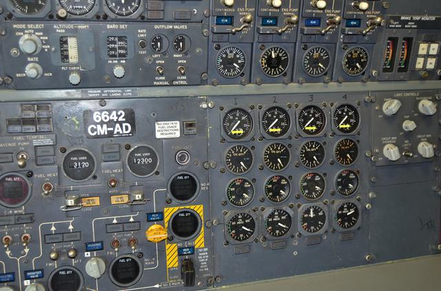 エンジン関係計器