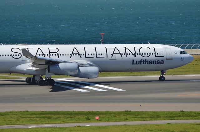 LH A340 17
