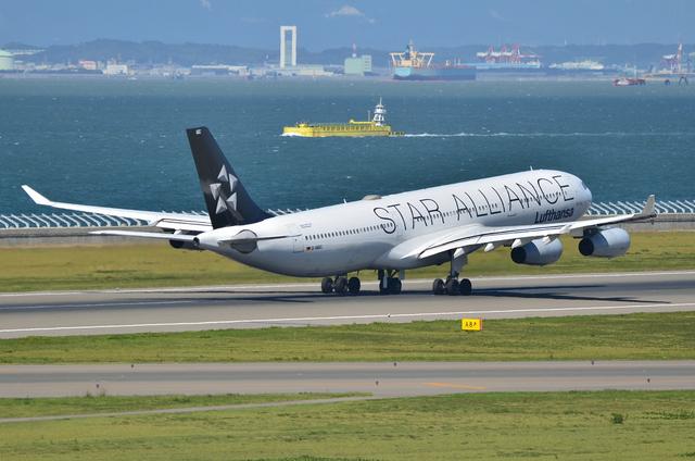 LH A340 18